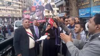 فيديو| في ذكراها السادسة.. مواطنون يحتفلون بـ 25 يناير في ميدان التحرير