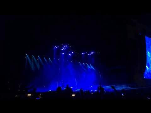 Muse - Showbiz (Live At Leeds Festival 2017)
