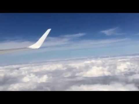 Spacer w chmurach.  A Walk in the Clouds. Les Vendanges de feu. poster