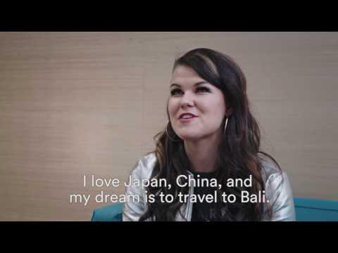 X-Factor star Saara Aalto's homecoming at Helsinki Airport | Finavia