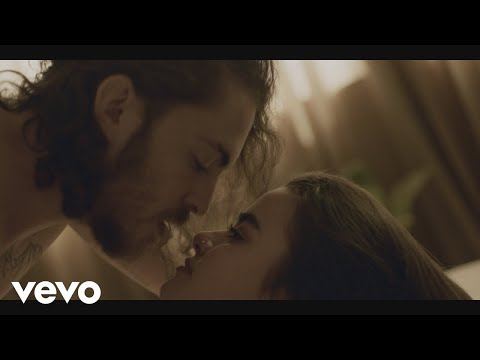 Dennis Lloyd - Never Go Back (Official Video)