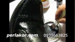 Покраска кожаных ботинок или сапог. Обучающее видео(Как покрасить сапоги? Чем покрасить обувь? Покрасить кожаные вещи Вы можете краской для кожи и кожзама PERLAKOR..., 2012-11-09T11:23:08.000Z)