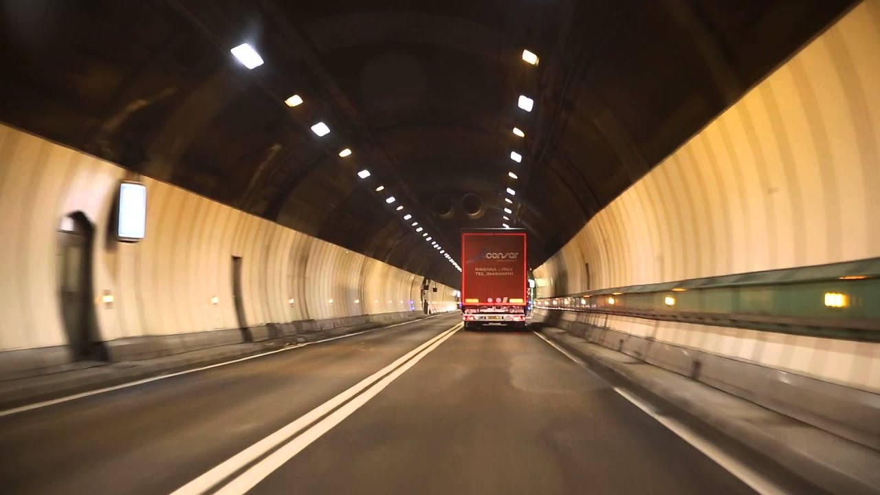 mont blanc tunnel from i to f youtube. Black Bedroom Furniture Sets. Home Design Ideas