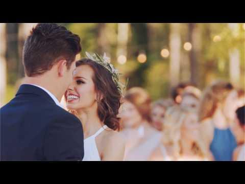 Как украсить подъезд  к свадьбе