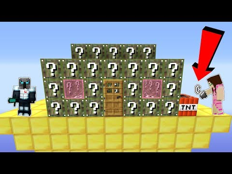 Minecraft: CAMO LUCKY BLOCK HOUSE INVADERS!!! - Modded Mini-Game