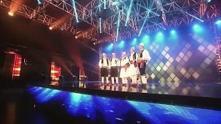 Nazif Cela ft Grupi Polifonik - Tek kendojne djemte (Musical-Fest)
