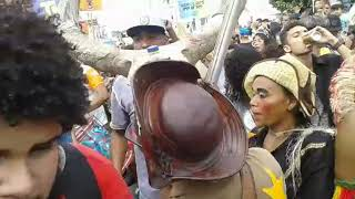 Bando Anunciador leva a criatividade das fantasias e a alegria para as ruas de Feira de Santana