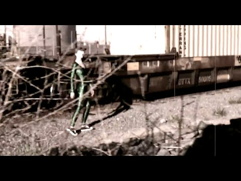 AV Super Sunshine - I Am Alien (Area 51 UFO Video)