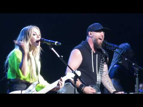 Brantley Gilbert & Lindsay Ell - What Happens In A Small Town (Hartford CT)