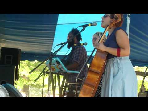 Pearl and the Beard at Paper City Music festival 2011