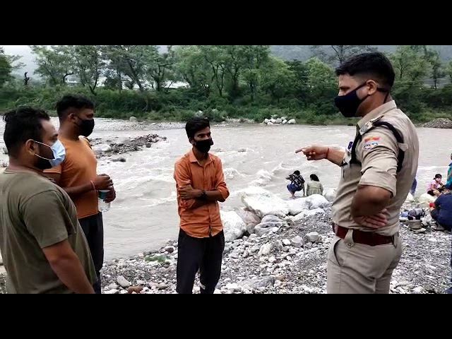 Mission maryada के तहत पुलिस ने सैलानियों को सिखाया सबक