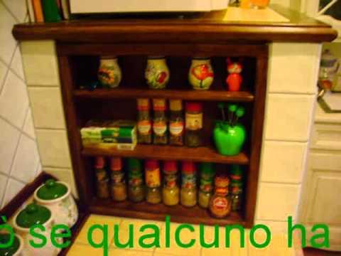 cucina in muratura con legno di recupero - YouTube