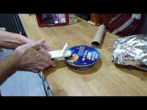 How to open a Fray Bentos Pie Tin.