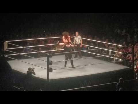 Kevin Owens © vs. Seth Rollins - WWE Live Universal Championship Match Frankfurt, November 2, 2016