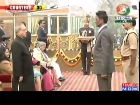 ▶ President awards Ashok Chakra to India's bravehearts
