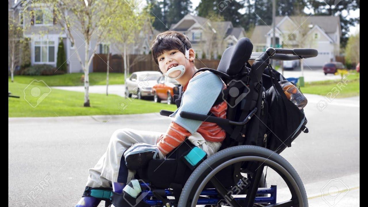 Silla de ruedas adecuada para nios parlisis cerebral