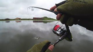 Утренняя рыбалка на спиннинг с берега Ловля щуки на воблеры весной 2020 Рыбалка в Беларуси