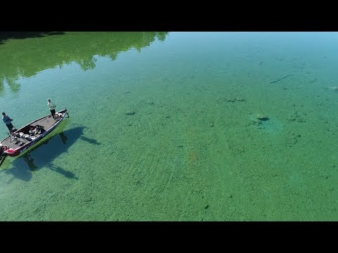 Fishing Incredibly Clear Water For BIG Bass