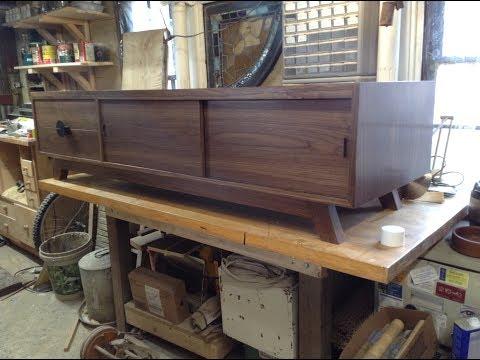 Woodworking : Walnut Mid-Century Modern TV Stand + Storage