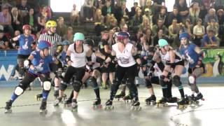 Zombie RollerGirls vs Riot Rollers / Roller Derby / 14 06 2014 / Münster
