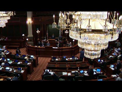 Illinois misses budget deadline