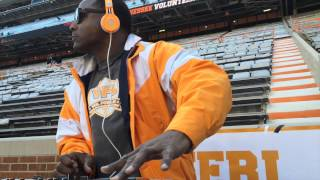 Tennessee players pre-game activities before Kentucky
