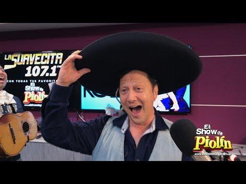Rob Schneider Canta La Bikina con Mariachi
