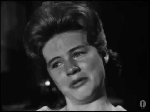 Patty Duke winning Best Supporting Actress