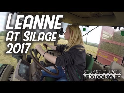 Leanne Drawing Silage with John Deere 6920S - 4K