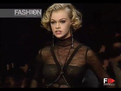 KARL LAGERFELD Fall Winter 1992 1993 Paris - Fashion Channel