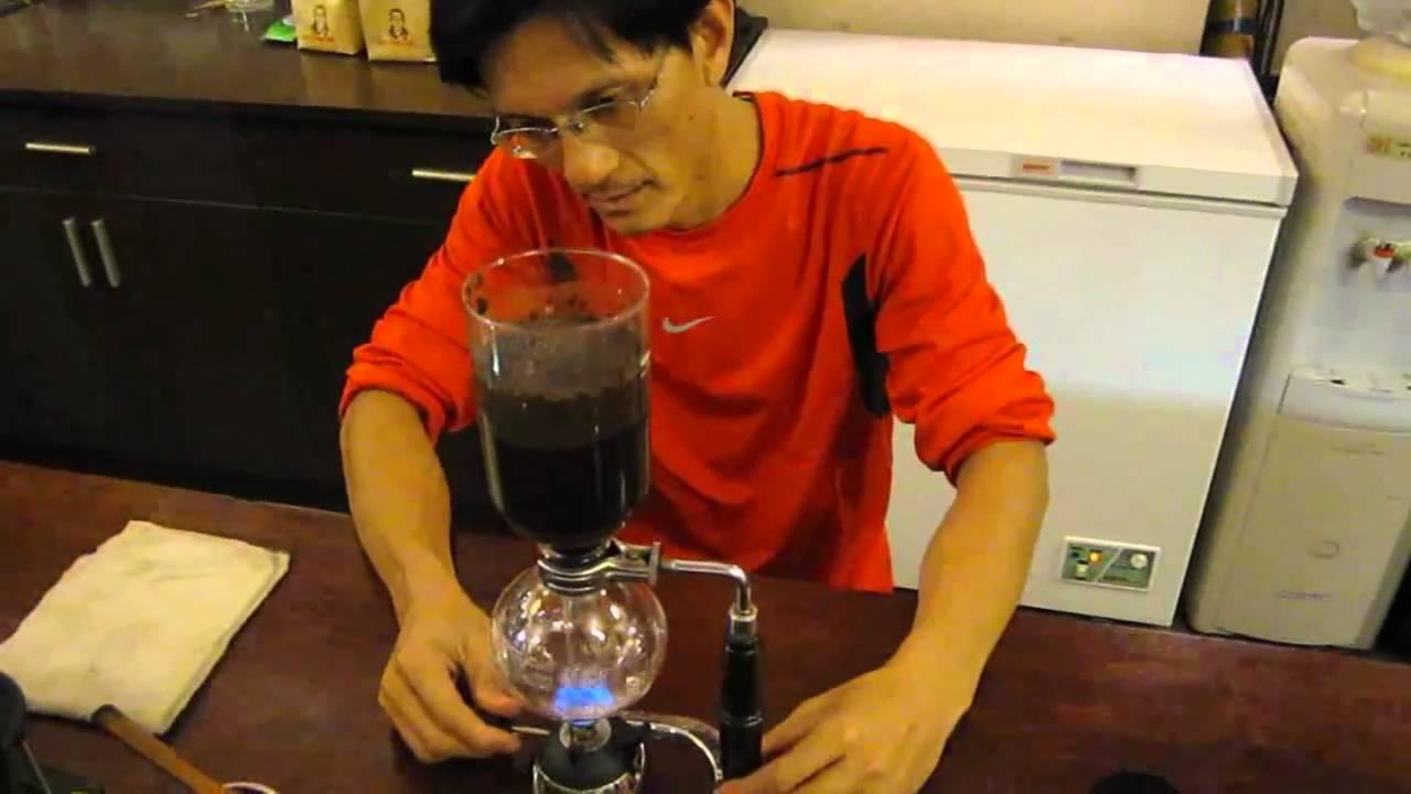 淇淇vs咖啡先生使用塞風壺的操作 - YouTube