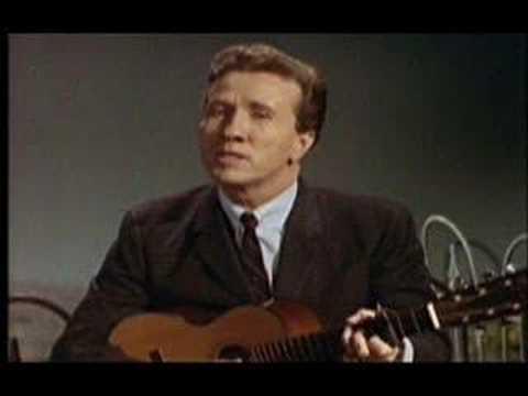 Marty Robbins Sings 'Summertime.'