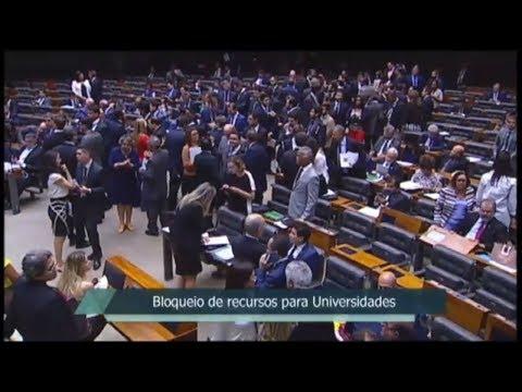 Oposição obstrui votações em protesto a cortes nas universidades - 10/05/19