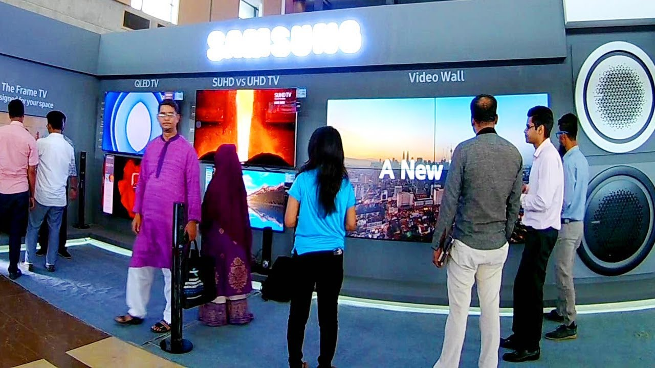 The Mind Bending Wallpaper TV