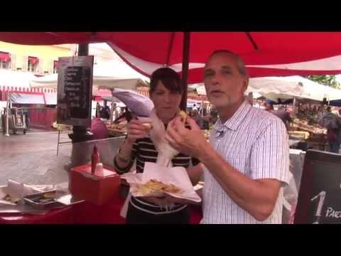 Le Cours Saleya Dans Le Vieux Nice