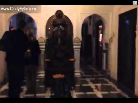 Another Flight, The Raj Palace & the Princess - India Travel Vlog #CindyEyler Feb 16, 2014