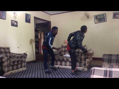 Amazing gwara gwara in Tanzania song by Shiikane-oga police #mosses #Hakeem