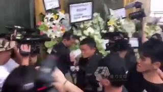 2018-11-12 金庸(查良鏞)香港殯儀館設靈 馬雲到場致祭