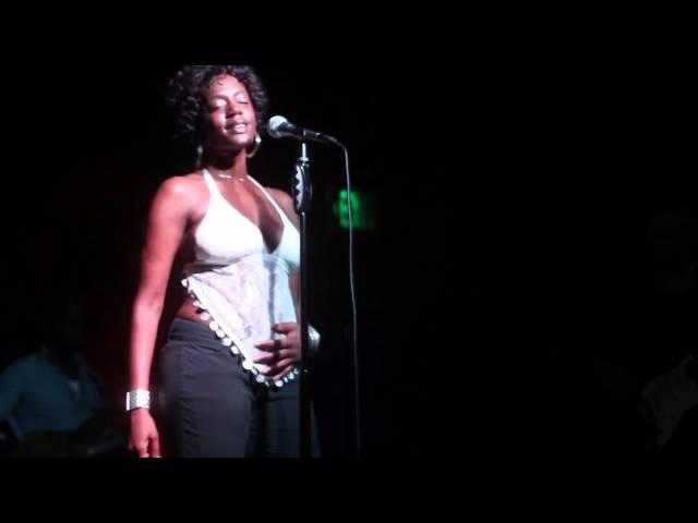 "Niki J Crawford Live in Los Angeles ""Round & Round"""