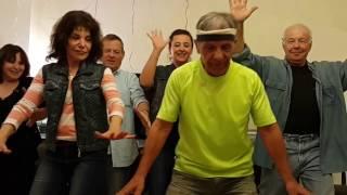 להקת צביקה מפליאה בריקוד פורים 2017