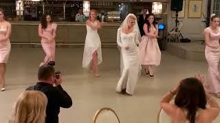 Крутой танец невесты и подружек. Супер подарок жениху на свадьбу