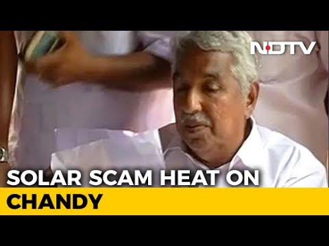 Pinarayi Vijayan Orders Probe Against Oommen Chandy In Solar Scam Case