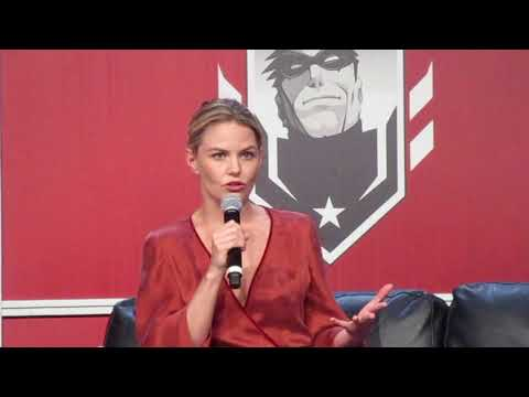 Jennifer Morrison on Selecting OUAT Costumes