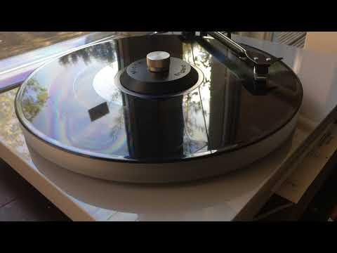 Turntable platter comparison acrylic vs metal Pro-ject Acryl It