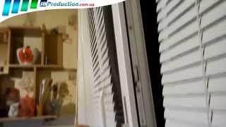 видео горизонтальные жалюзи на пластиковые окна