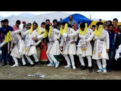 Traditional Himachali Nati, Old Pahari Kullvi Songs, Kullu Dance Video