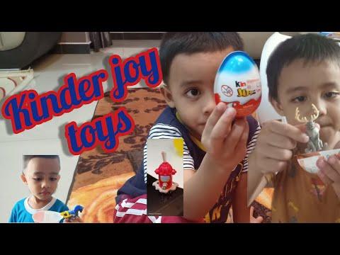 aina,adam-&-ammar-with-surprise-egg-kinder-joy-toys