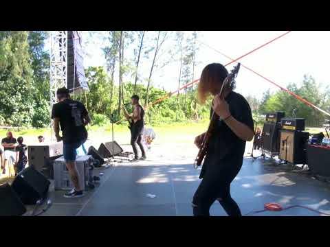 Falling Farewell - Kiss My Ass (Live @ Rocktoberfest Borneo 2017) (JOOX LIVE)