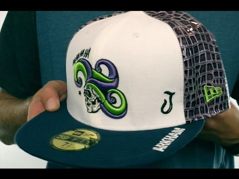 Joker  CHARACTER FACE  White-Purple-Navy Fitted Hat by New Era - YouTube 6dd27590fd83