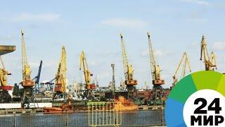«Не отцентровали»: рухнувший строительный кран затопил док в Приморье - МИР 24